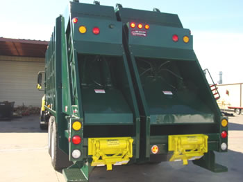 R 9030 2 Split Body Rear Loader
